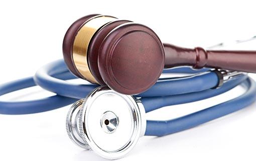 Krankenhausrecht – Kein Schadenersatz bei hypothetischer Patienteneinwilligung